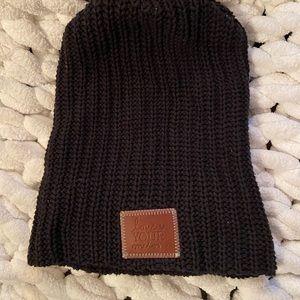 Love Your Melon knit hat EUC